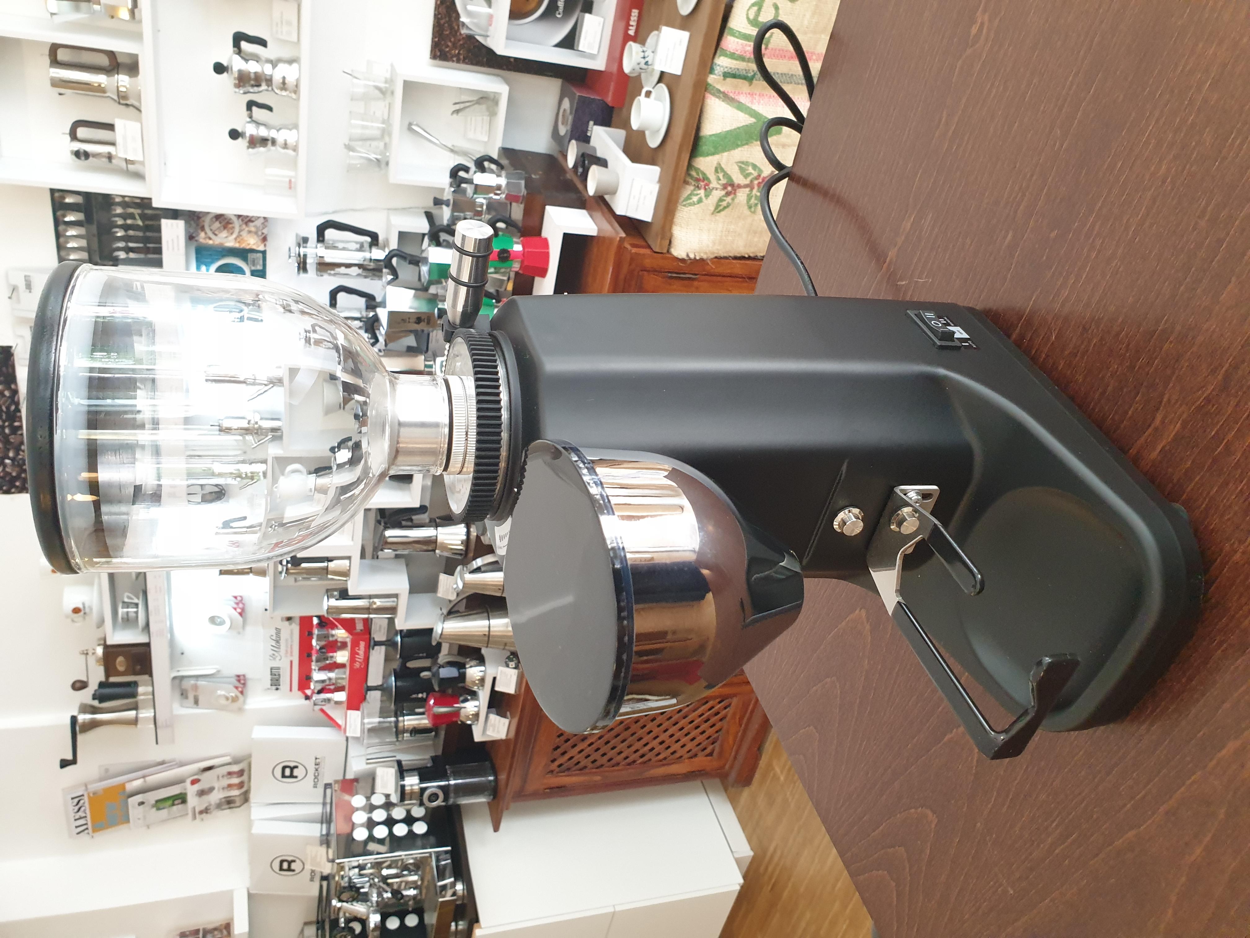 Bellezza Piccola 60 Titanio Mühle- Silber oder Schwarz